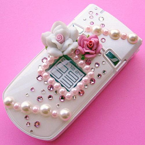 Мобильные телефоны в свадебные торты