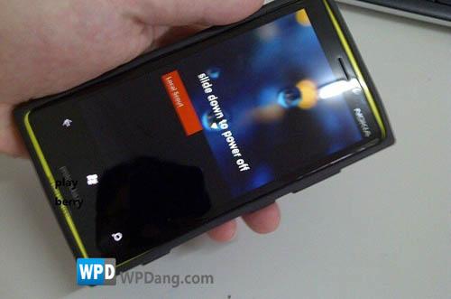 Lumia-900-Fake-prototype_2