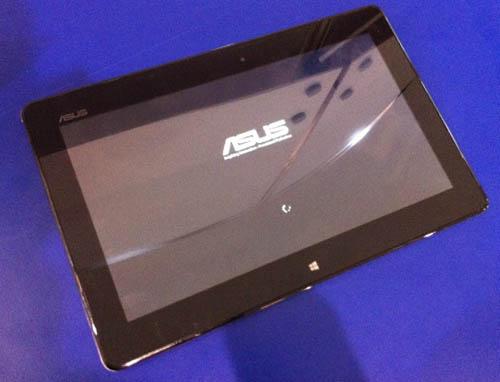 Планшет Asus ME-400 под управлением Windows 8