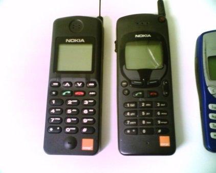 Продам старый телефон моторола